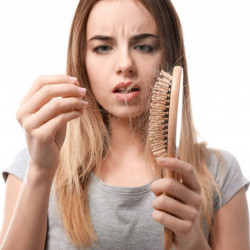 Что делать, если начали выпадать волосы